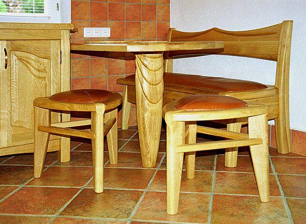 1043 - Meble z drewna do jadalni, taborety dębowe.