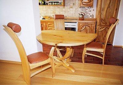 Meble drewniane artystyczne. Stół drewniany do jadalni. #1052