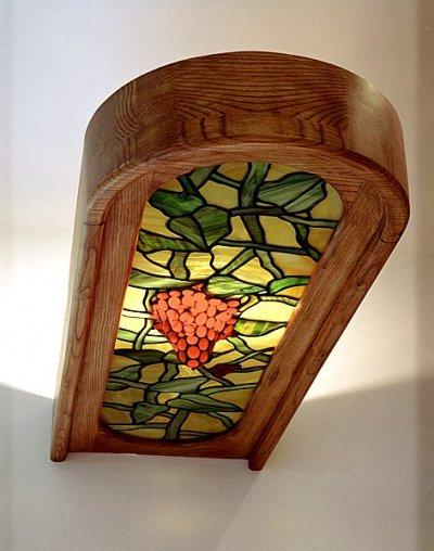 Meble z drewna kuchenne z witrażami barek. #1065