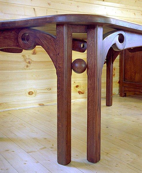 2016 - Meble drewniane artystyczne na wymiar stół dębowy detal.