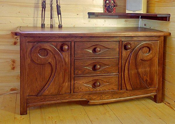 2017 - Meble z drewna do salonu unikatowa komoda dębowa ręcznie rzeźbiona na zamówienie.
