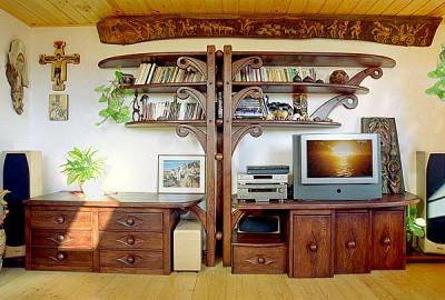 Meble drewniane do salonu unikatowa artystyczna zabudowa regal na wymiar. #2012