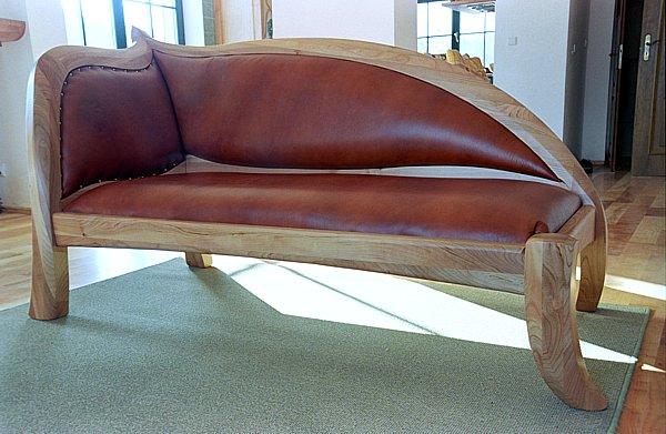2024 - Meble drewniane do salonu szezląg tapicerowany sofa unikatowa.
