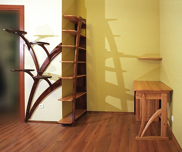 2032 - Meble drewniane salonowe kwietnik z drewna unikatowy.