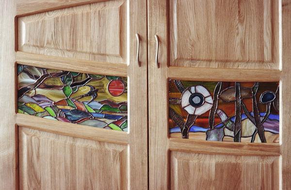 2046 - Meble z drewna salonowe unikatowe artystyczne witraże.