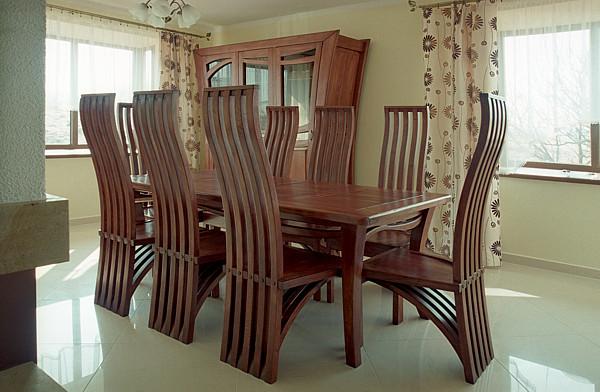 2051 - Meble drewniane dębowe do salonu stół masywny unikatowe krzesła z drewna.