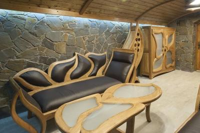 meble drewniane do salonu szezlong dębowy półka na wina #2086