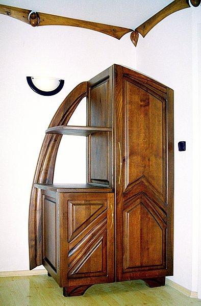 Meble z drewna szafa debowa do sypialni unikatowa na wymiar, meble artystyczne autorskie. #3024