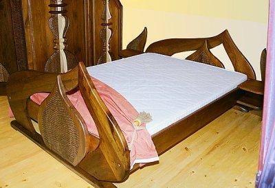 Meble drewniane artystyczne unikatowe autorskie lozko debowe do sypialni. #3051