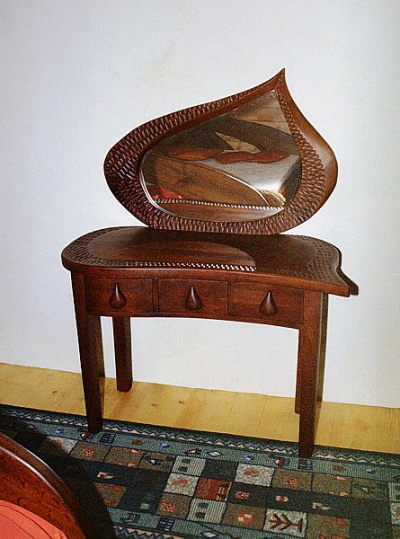 Meble drewniane do sypialni toaletka z drewna unikatowa artystyczna. #3053