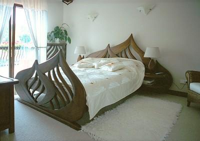 Meble drewniane na wymiar na zamowienie lozko drewniane do sypialni dizajnerskie. #3101b