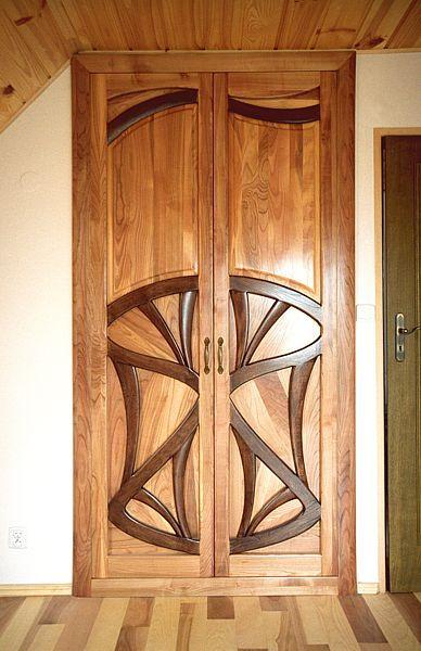 Meble z drewna na zamówienie dizajnerskie drzwi drewniane do garderoby do sypialni. #3123