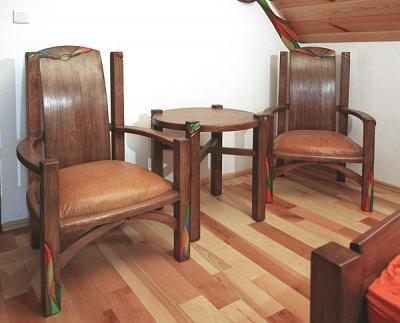 Meble drewniane fotele tapicerowane i stolik z drewna unikatowy artystyczny. #3133