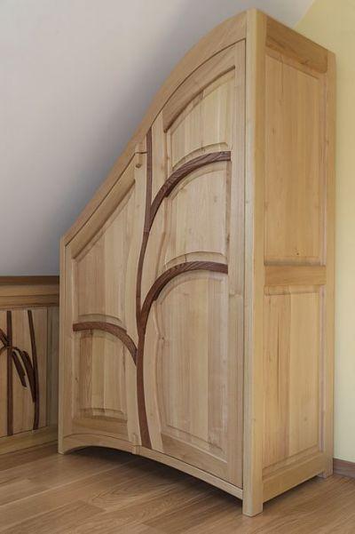 artystyczna szafa z drewna. #3177