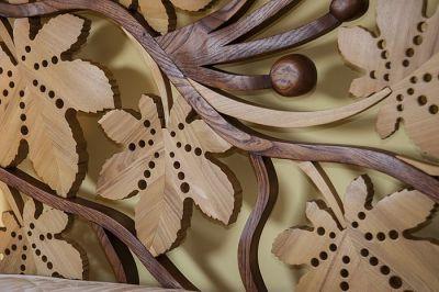lozko z drewna artystyczny detal. #3179