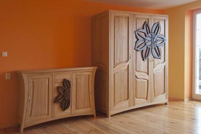 trzydrzwiowa szafa i komoda z drewna czereśni #3182