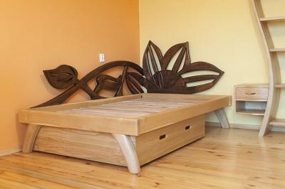 dębowe drewniane łóżko słoneczniki #3186