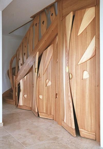 Meble drewniane zabudowa dizajnerska pod schodami unikatowa artystyczna. #5097