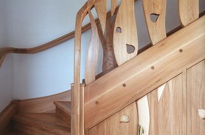 Artystyczna barierka schodów unikatowych dizajnerskich dębowa. #5099