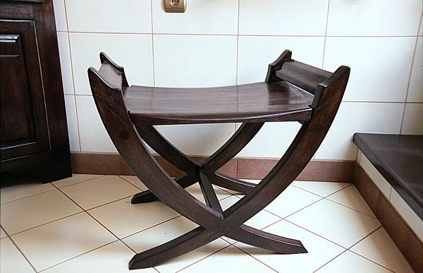 6163 - Meble drewniane do łazienki siedzisko z drewna dębowego oryginalne unikatowe.