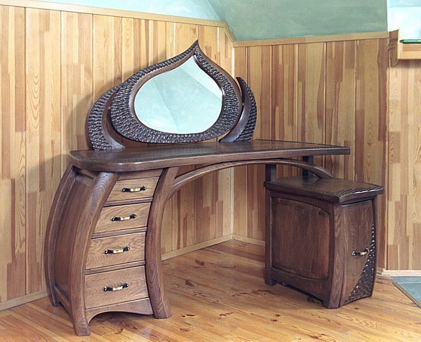 6231 - Meble z drewna unikatowa artystyczna oryginalna autorska toaletka z lustrem.
