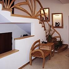 drewniane barierki meble schody