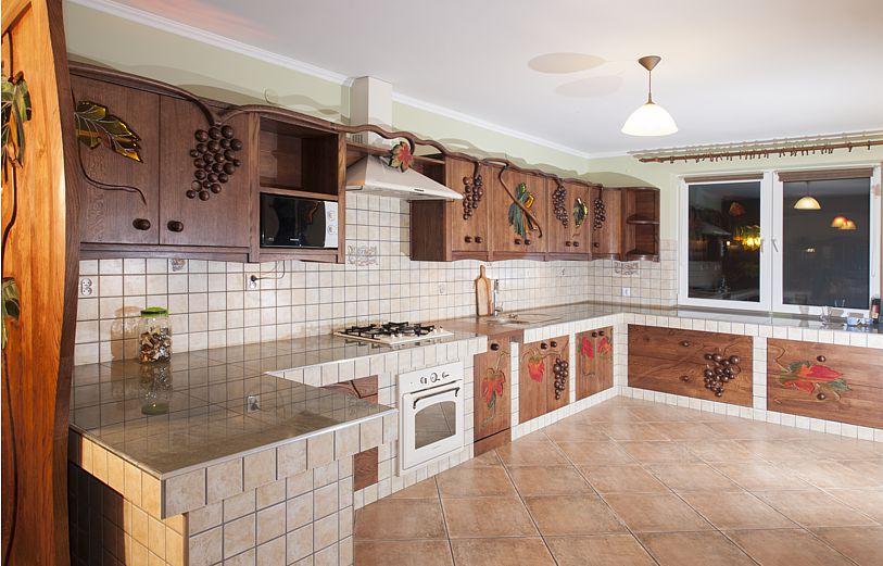 Kuchnia Z Winogronami Meble Drewniane I Artystyczne Na