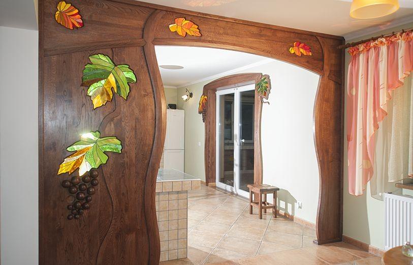 drzwi drewniane z witrazami
